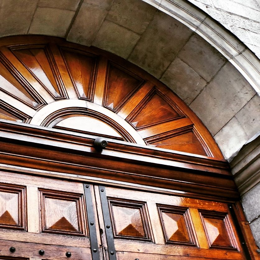 Large oak door leading to the beautiful Trinity College in Dublin.. #trinity # & Large oak door leading to the beautiful Trinity College in Dublin ...