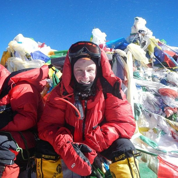 Ross Professor Scott DeRue and his team reached the top of Mt. Everest!  #goblue #umich #globalUM