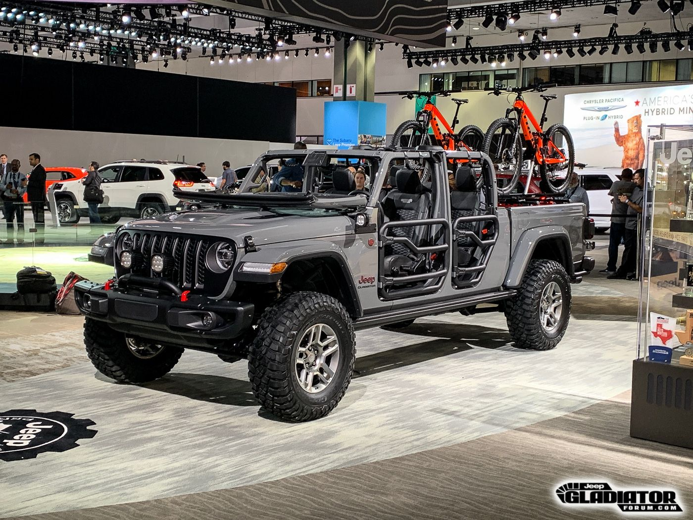 Https Www Jeepgladiatorforum Com Forum Attachments 2020 Jeep Gladiator Jt Pickup Mopar Accessories La Auto Show 9 Jpg 5983 Jeep Gladiator Gladiator Jeep Suv