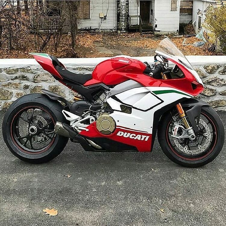 Ducati V4 Super Sport Cars Pinterest Super Sport Sports Cars