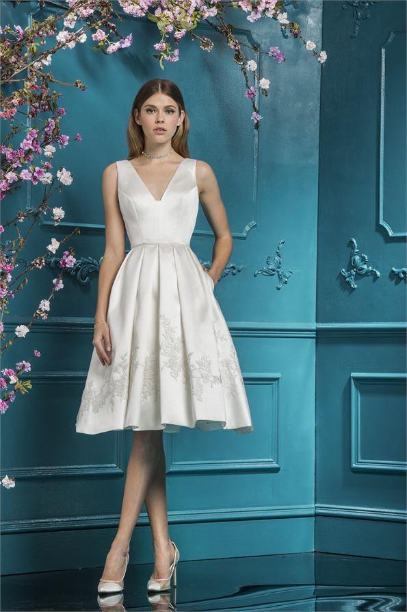 19110 Wedding Dress from Ellis Bridals | hitched.co.uk | Wedding ...