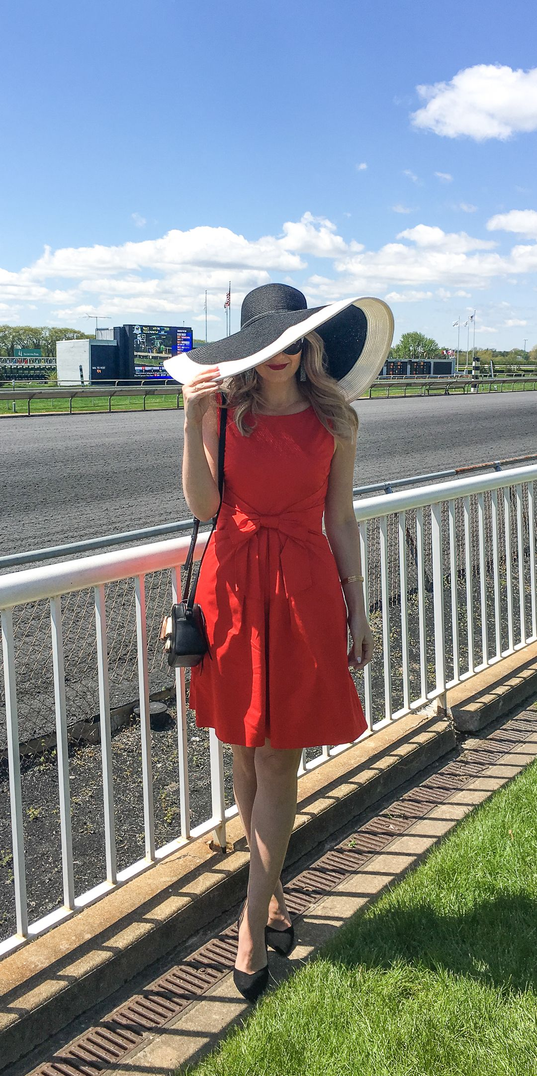 what to wear to the horse races  race track outfit