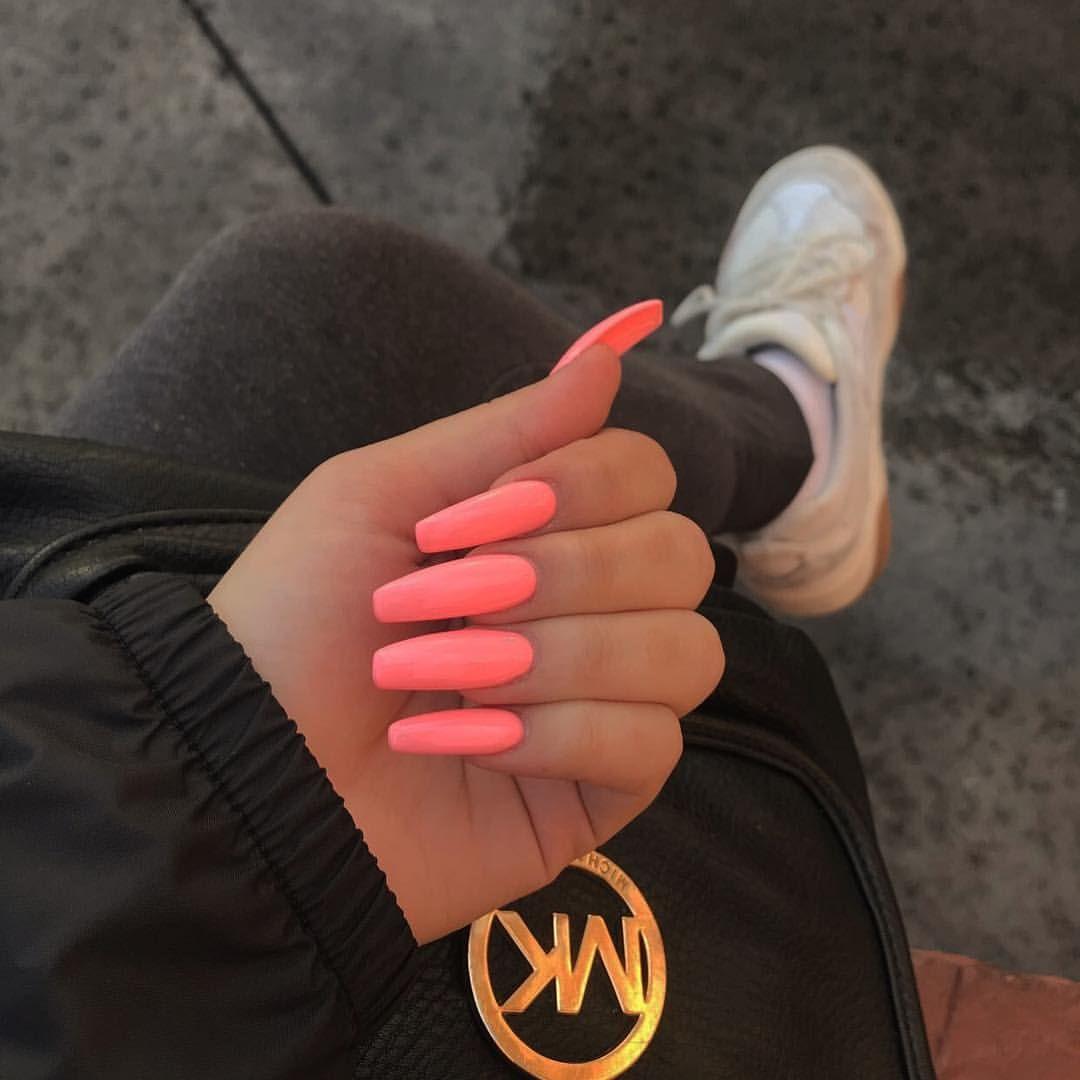 """@meganvirona auf Instagram: """"Vielen Dank, dass Sie immer @passionnails! Die Farbe heißt Lotus 💘 """""""