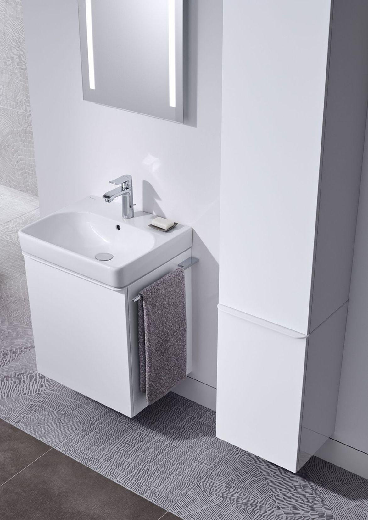 Geberit Smyle Geberit Deutschland Weisse Badezimmer Badezimmerideen Wc Spiegel