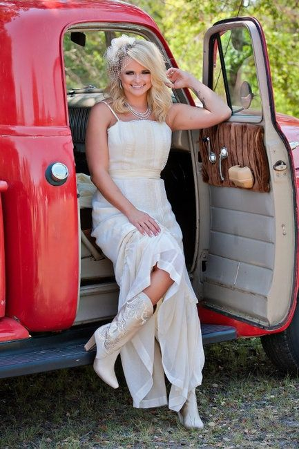 Miranda Lambert Wedding Boots Abby I Need These Miranda Lambert Wedding Blake Shelton Wedding Miranda Lambert