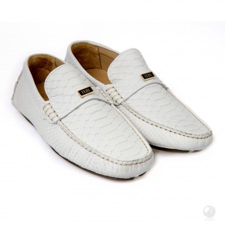 Product #                           FSH-M6062    Product Category              FERI Shoes    - Mens genuine leather casual loafer  - Real cow hide leather upper with leather and rubber sole  - Customized FERI hardware on top and sole   - Embossed with crocodile texture  - Colour: White  - Heel height: 0.58 inches   - Hardware plate: 0.79 inches x 0.28 inches  Invest with confidence in FERI Designer Lines..    Perches from My Virtual Designer Mall (VDM) http://www.gwtcorp.com/rjames45…