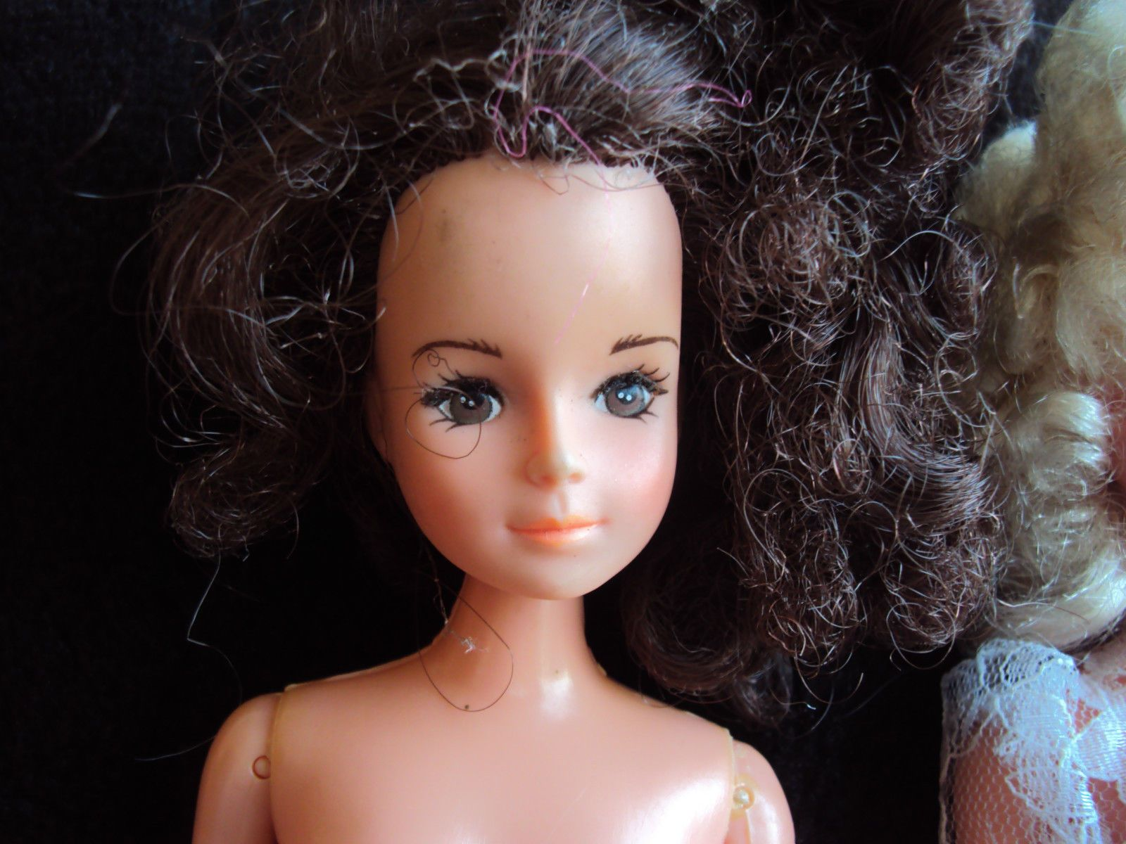 2 vintage Betty or Gloria Teen dolls made by Tong Barbie Sindy clone ...