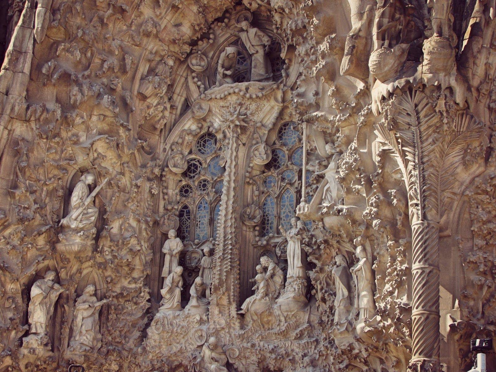 lady in black: One day in Barcelona  #barcelona #spain #cataluna #catalansko #sagradafamilia #spanielsko #visitspain #visitacataluna #costabrava #traveltips #traveleurope #travel #travelblogging #visiteurope #placestogo #oldtown #placestogo #placestosee #gaudi #mediterranean #espana #espanaturismo #turismo #europa #holiday #holidaydestination #vacation