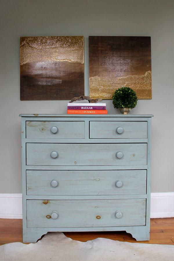 Create a DIY diptych with oil based metallic gold paint and some wood stain using these step-by-step instructions! #paint