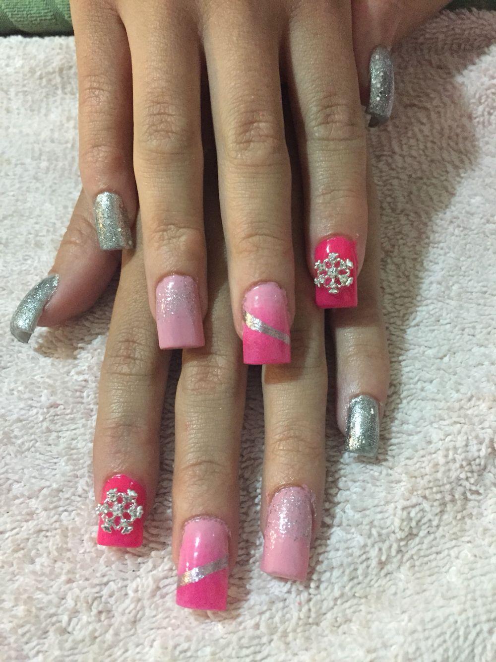 Pink Snow Flakes ❄️⛄️