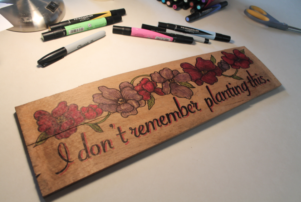 DIY A Wooden Sign For Your Garden Using Vector Artwork :http://blog.stockunlimited.com/2015/04/diy-a-wooden-sign-for-your-garden-using-vector-artwork/