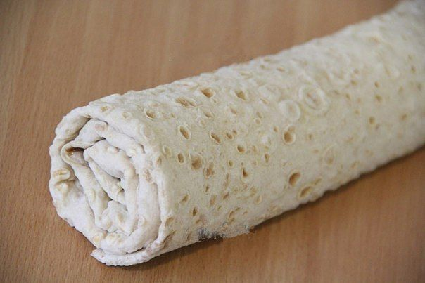 Roll of pita bread with cod liver / Chief-Cooker