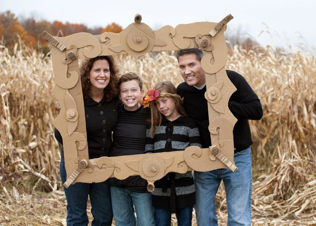 fun cardboard frame for family pictures by www.dchristensenphotography.com