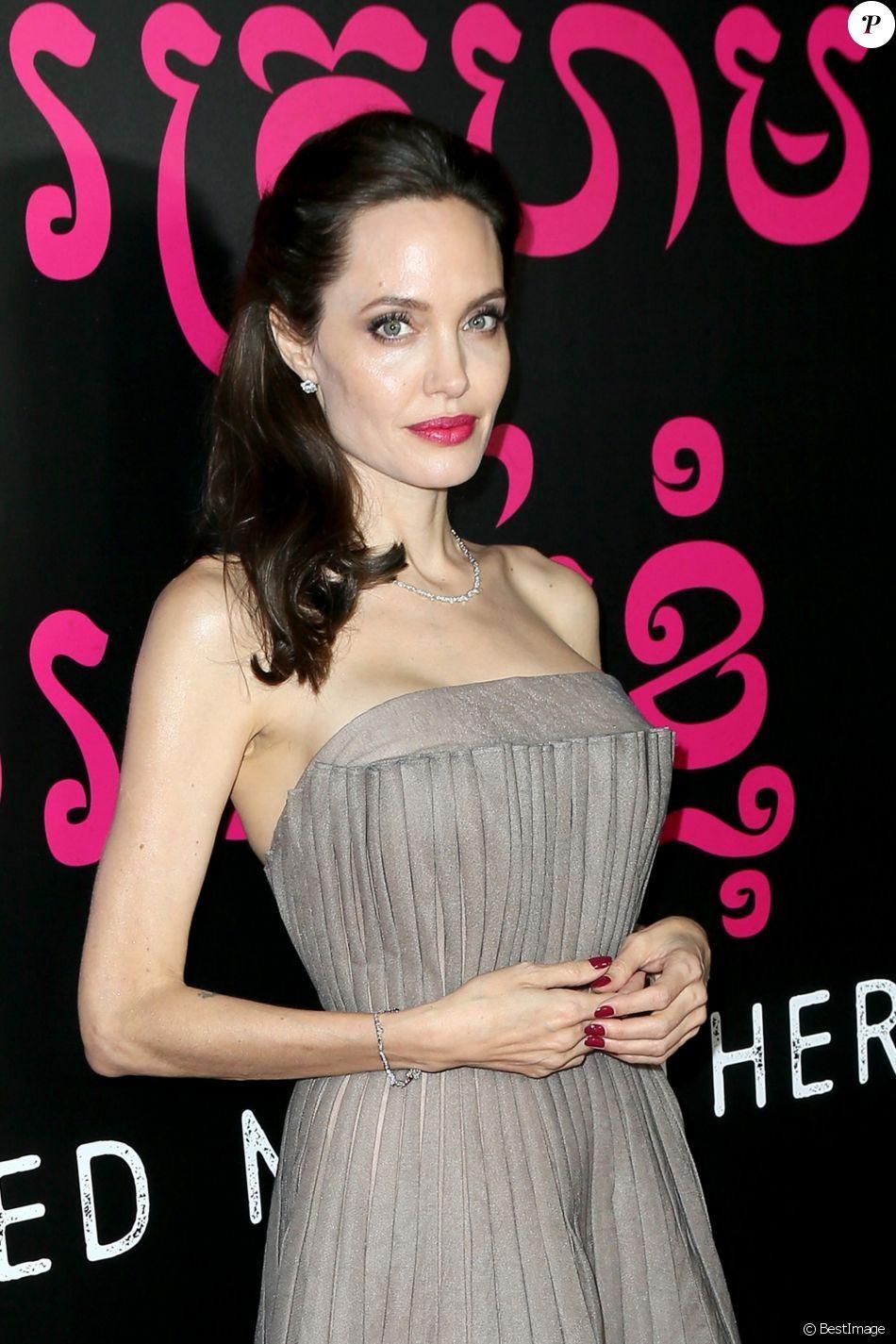 D'abord Ils Ont Tue Mon Pere : d'abord, PHOTOS, Angelina, Jolie, Première, D'abord,, Père, York,, Septembre, Jolie,, Jenifer, Aniston,, Belles, Actrices