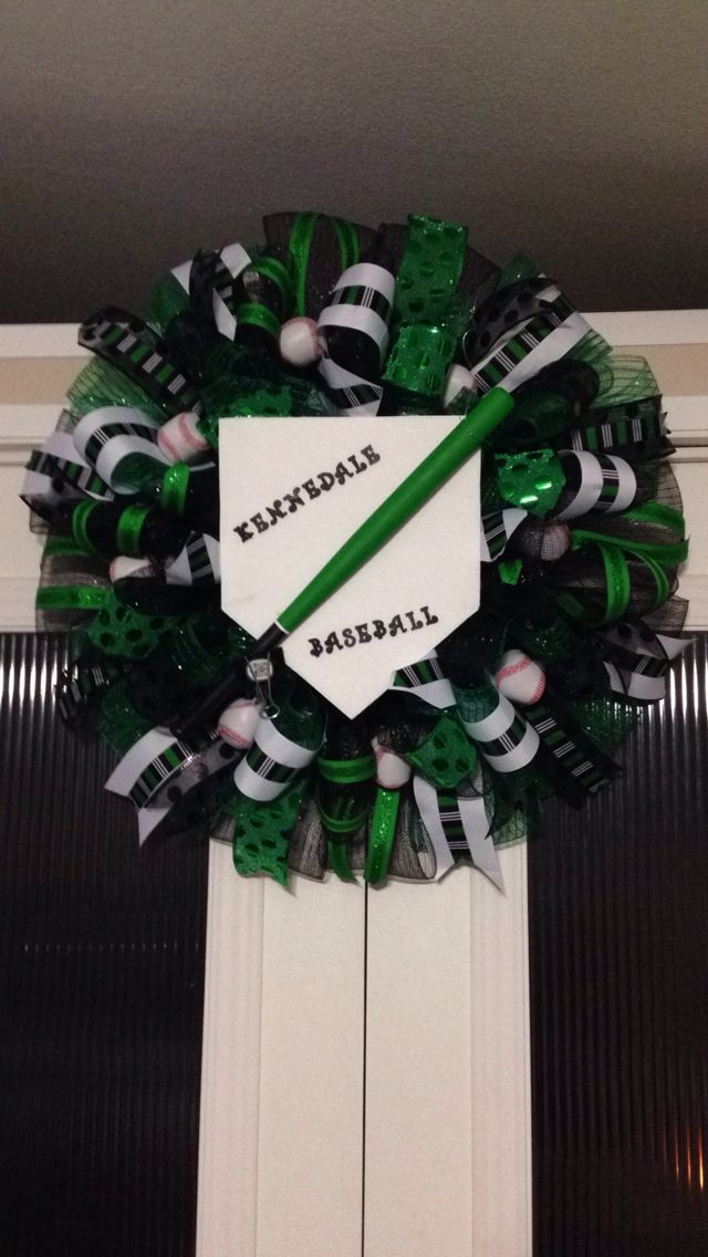 Baseball wreath with home plate baseball bat and baseballs created and designed by Ronda Cromeens. XL 55$