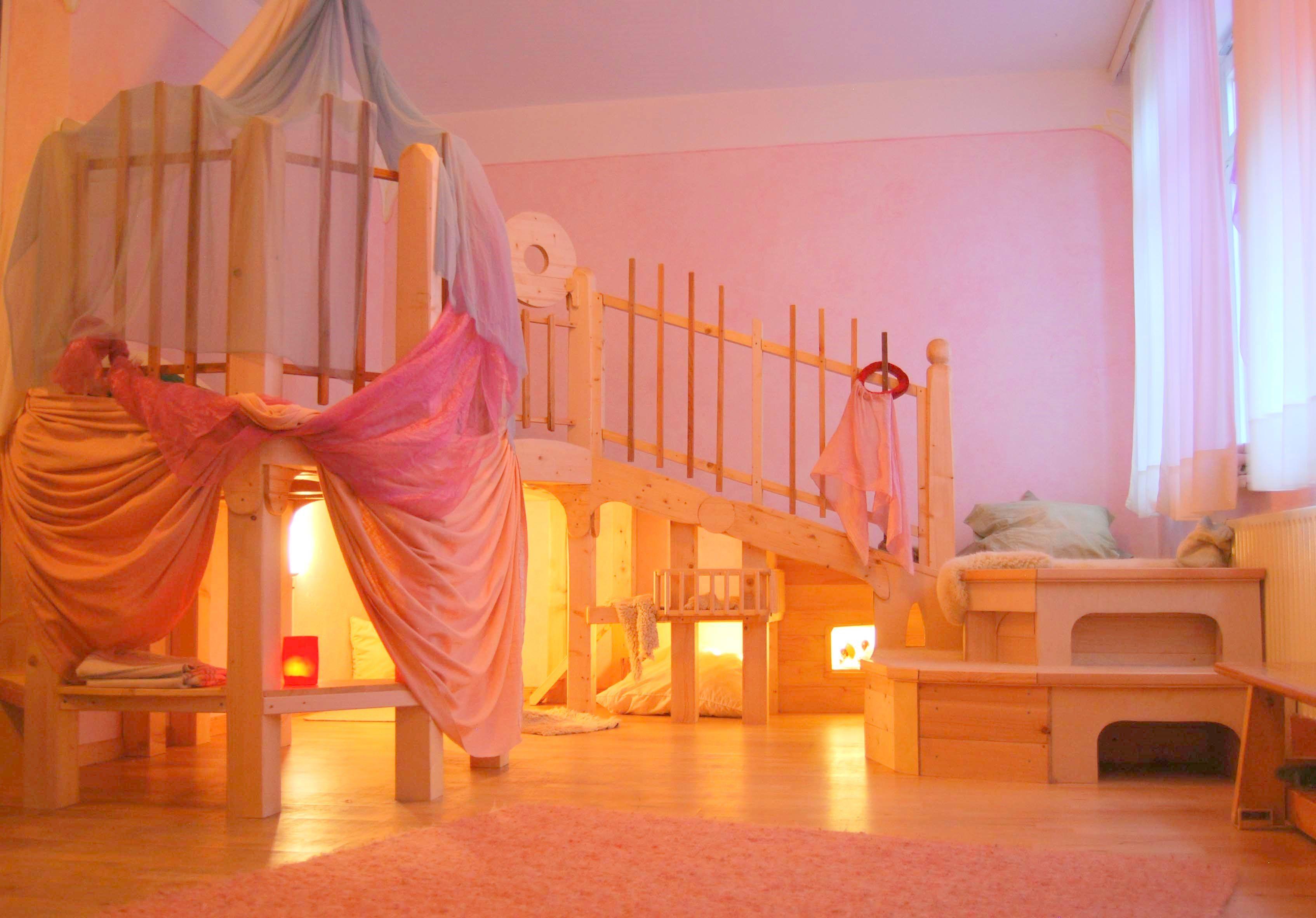 Pin by manuela demattei on waldorf kinderzimmer kinder for Raumgestaltung waldorfkindergarten
