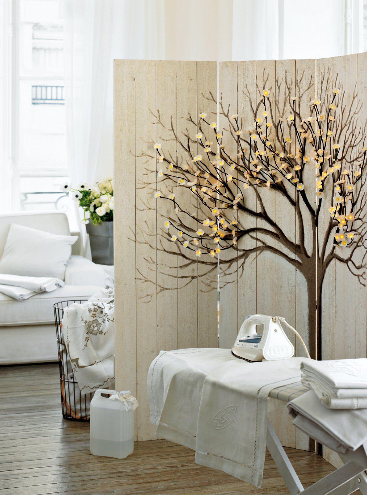 un paravent comme un arbre lumineux int rieur. Black Bedroom Furniture Sets. Home Design Ideas