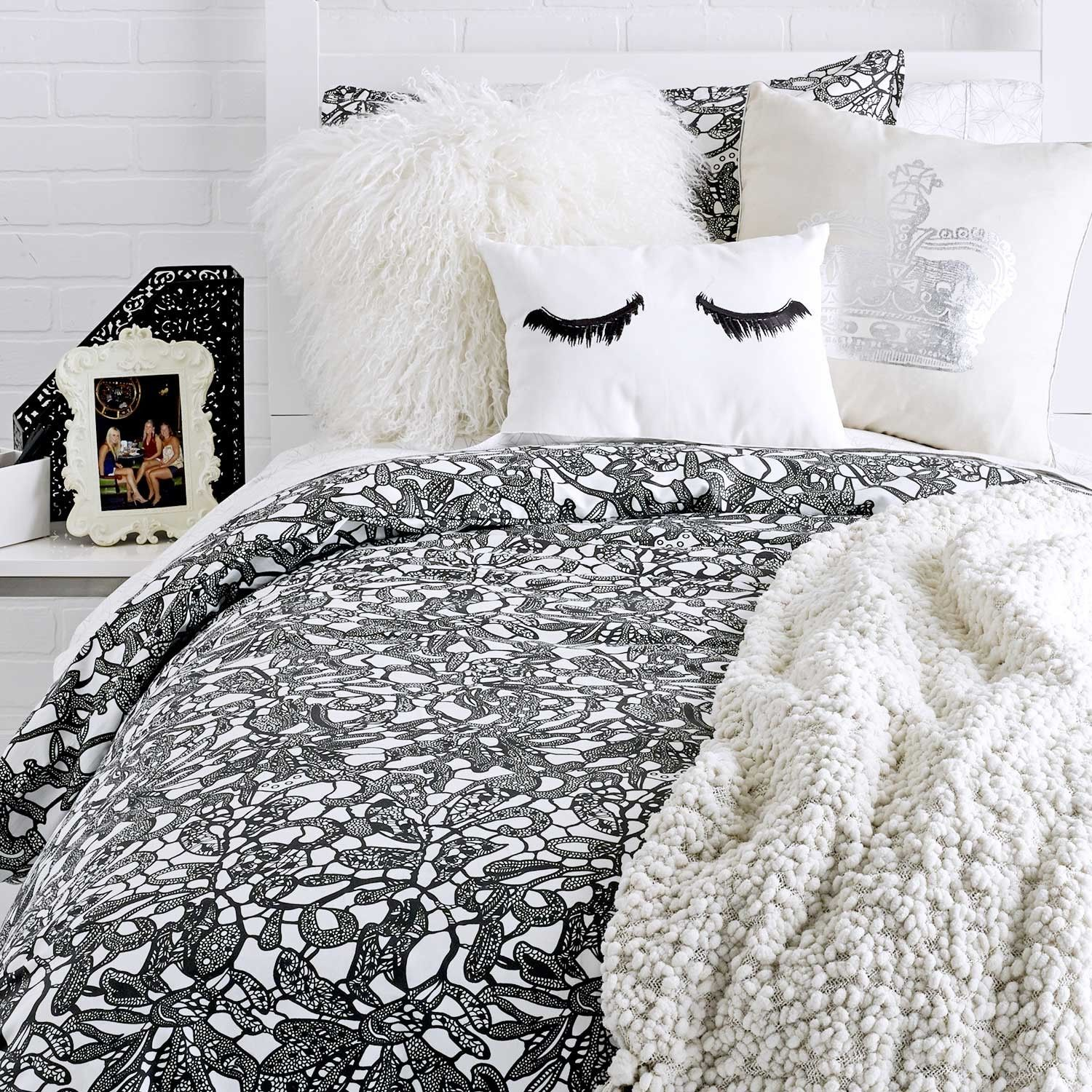 Cute Bedding For College Apartments - Apartment Decorating Ideas