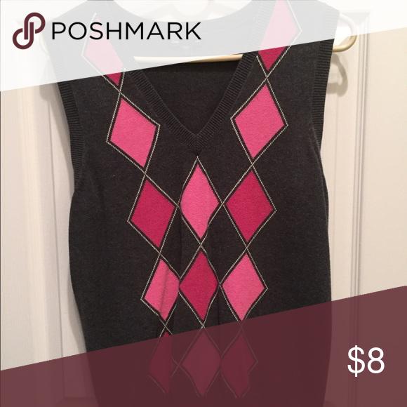 Gap argyle vest size L EUC (worn over J crew pink pin stripe) GAP Sweaters V-Necks
