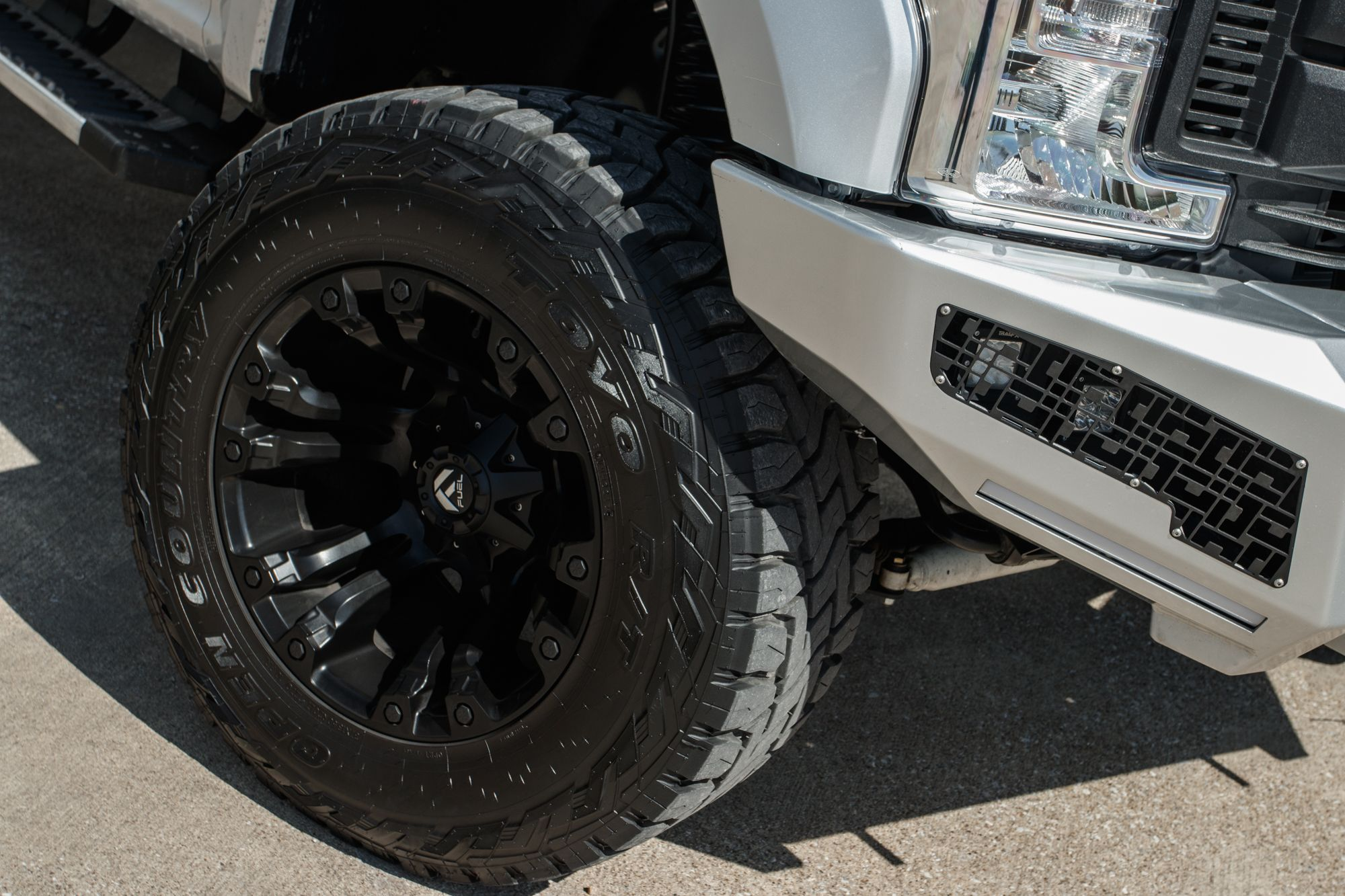 Fuel Vapor 20 Inch Wheels On A 2018 Ford F250 Super Duty In Silver Metallic F250 F250 Super Duty 20 Inch Wheels