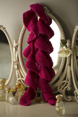 Free Crochet Pattern Pink Ruffle Scarf Lion Brand 174 Vanna