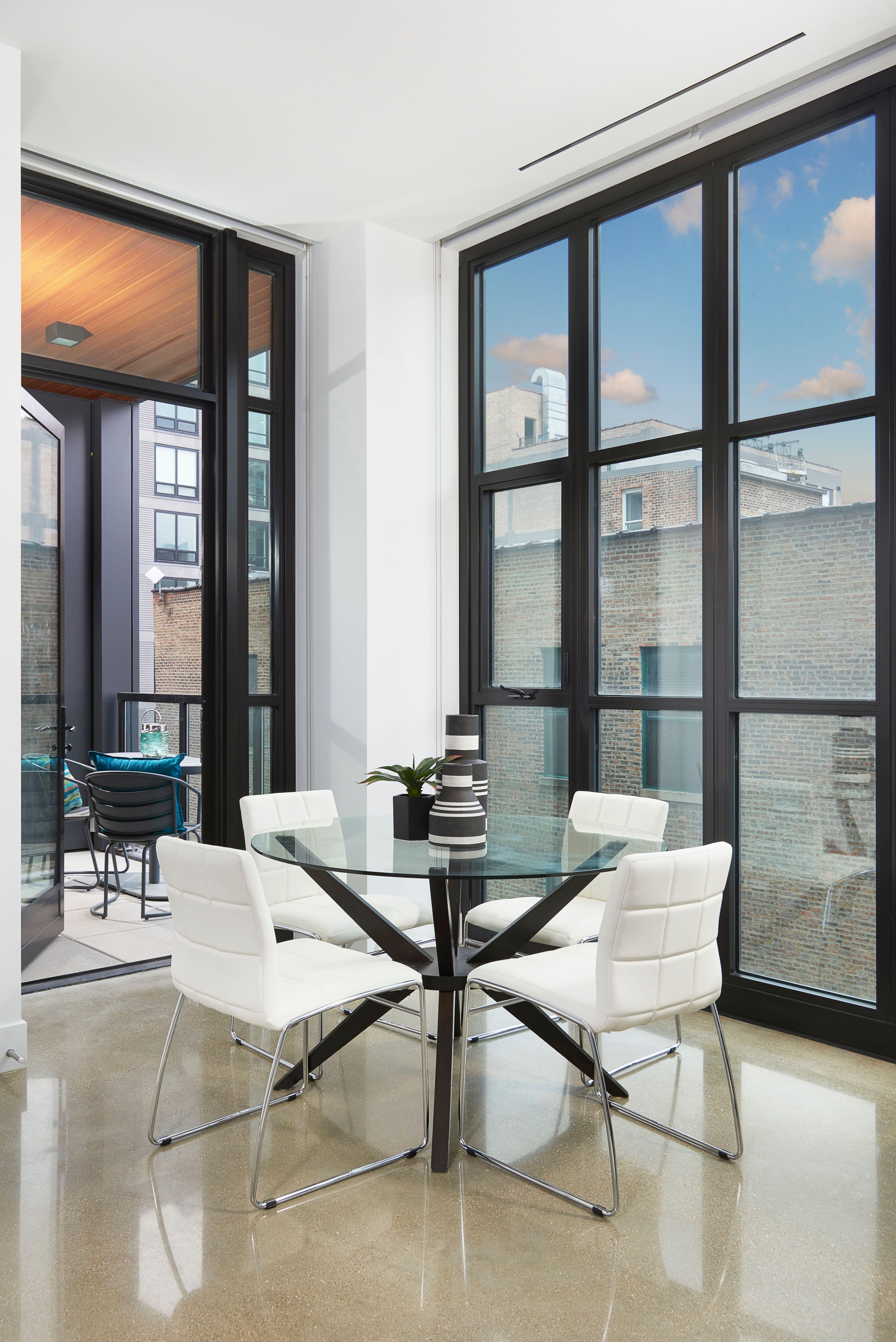 #diningroom #diningroomdecor #glassdiningtable #homedecor