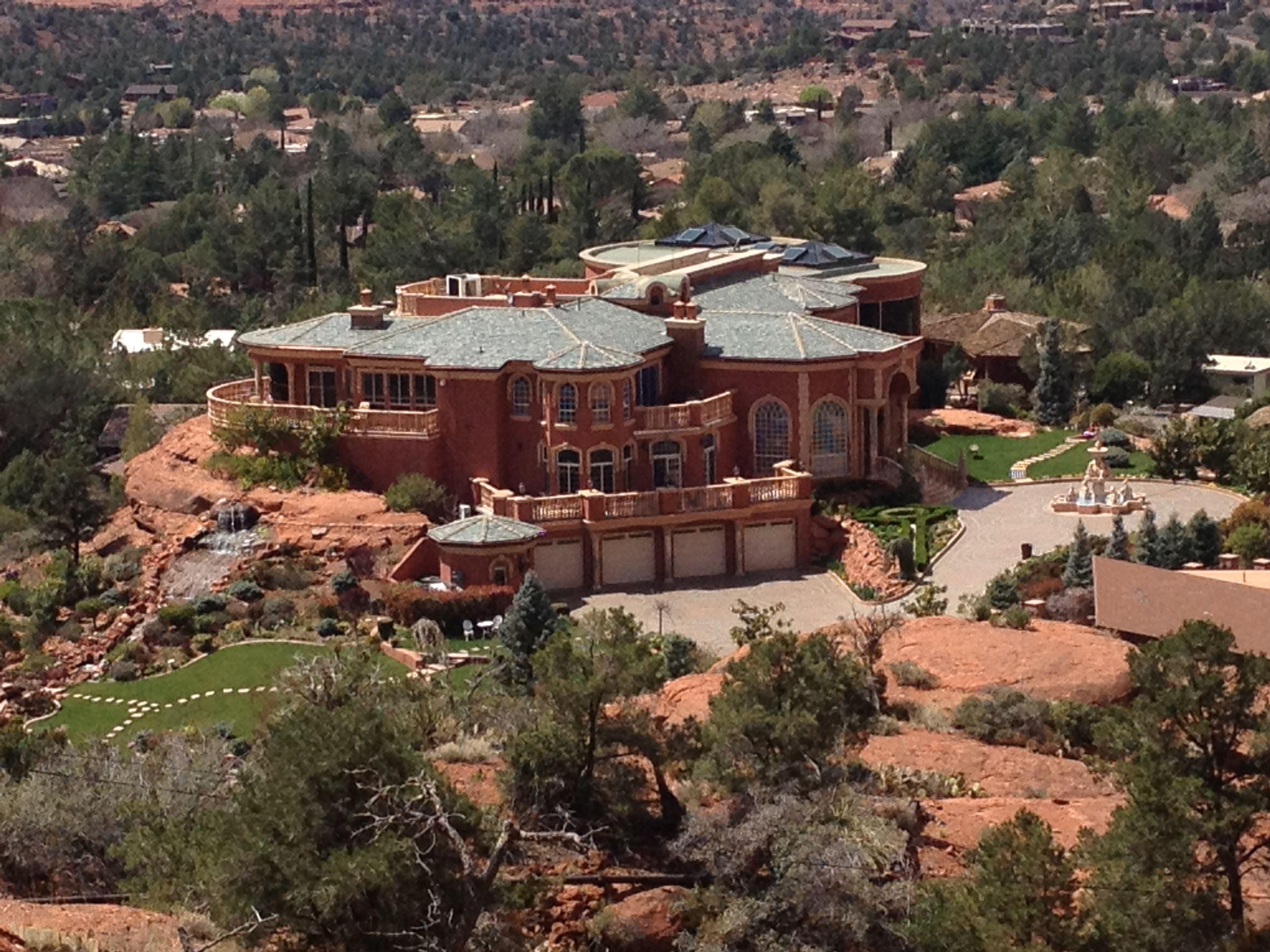 Desert mansion sedona arizona architecture houses for Sedona architects