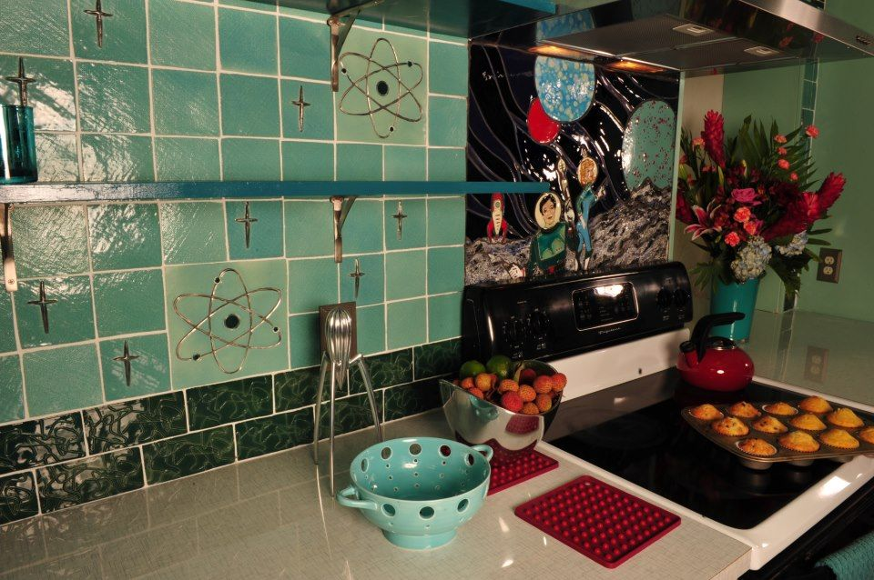 I love this! i would love that in my retro kitchen. kitschy living