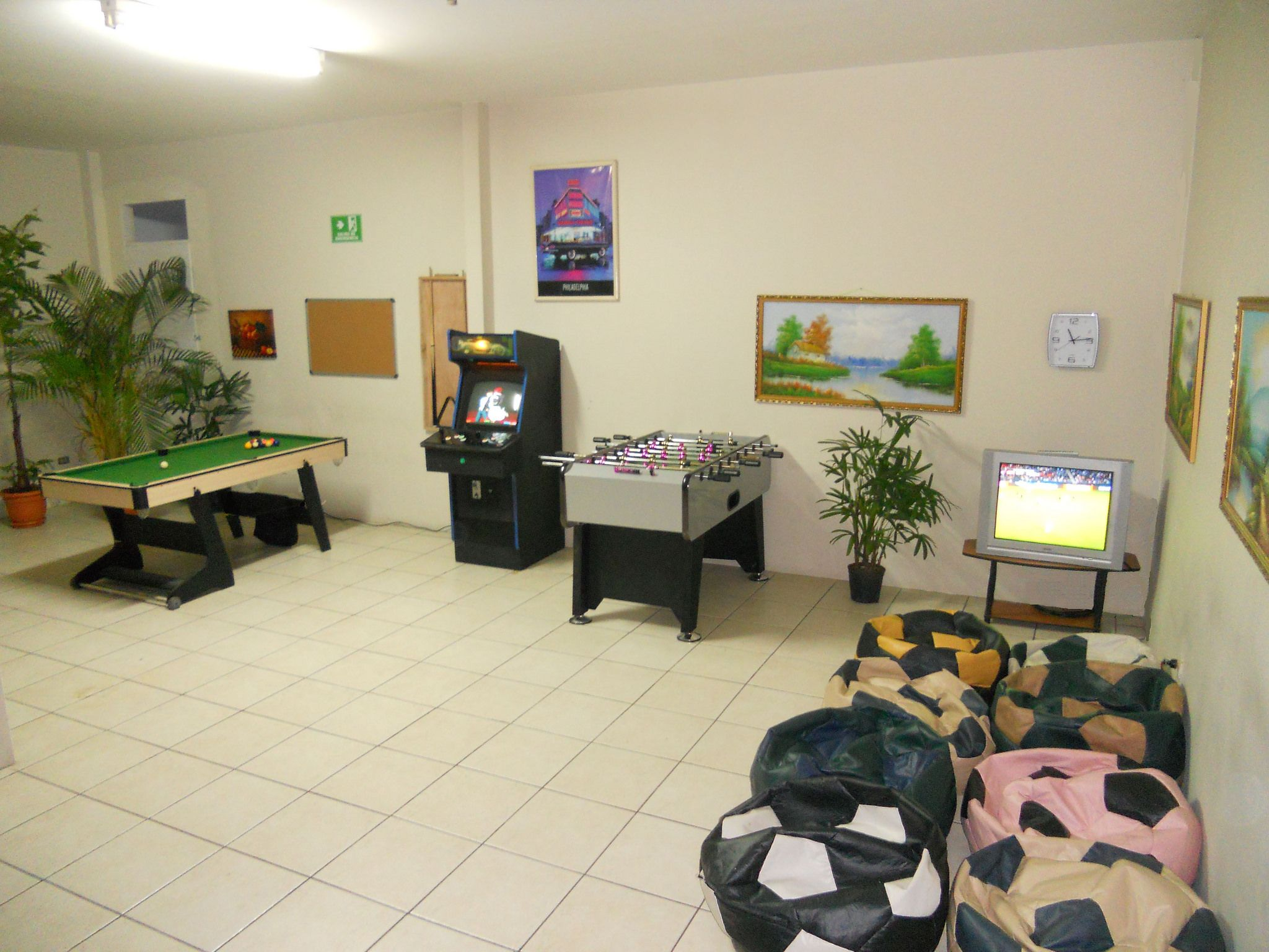 Call Center Game Room