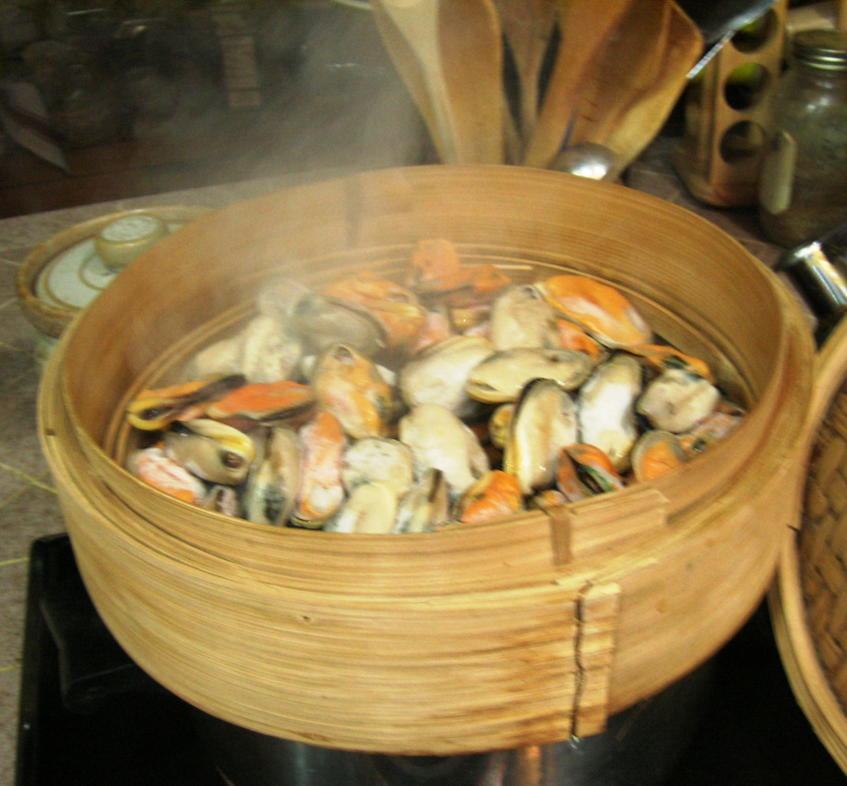 Dove Comprare Vaporiera Bamboo.Bamboo Steaming Mussels Steam Recipes Steamer Recipes Food