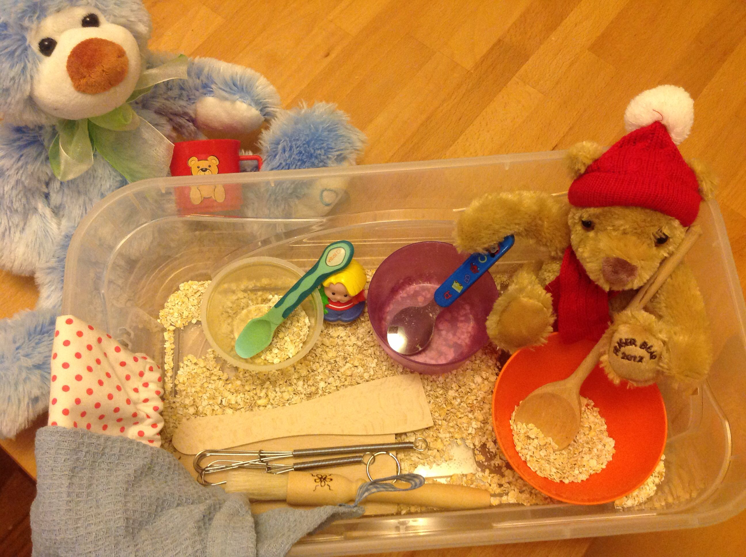 Goldilocks and the Three Bears sensory tub - with cinnamon oats