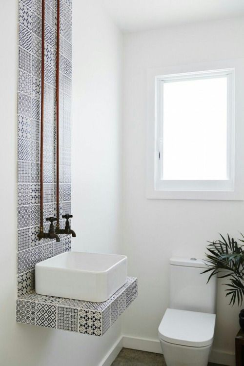 superbøld - wow what a brilliant focal point to the bathroom. so gorgeous!