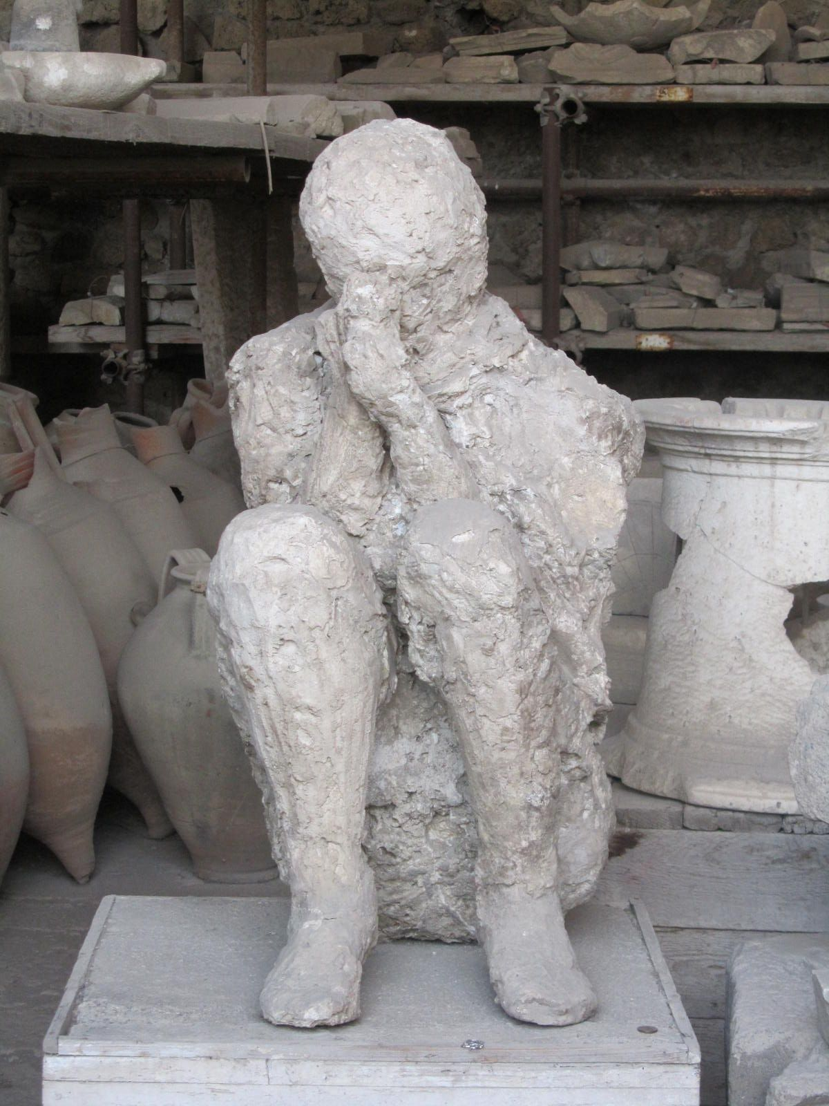 A Plaster Cast Of A Victim Of Pompeii I Have This Exact Same Photol Https Www Facebook Com Micheles Photo Photo Php Fbid 41 Pompeii Pompeii City Ancient