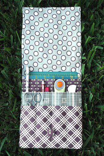 travel sewing kit.  Must find pattern.  @Gloria Mladineo Mladineo Mladineo Parsons