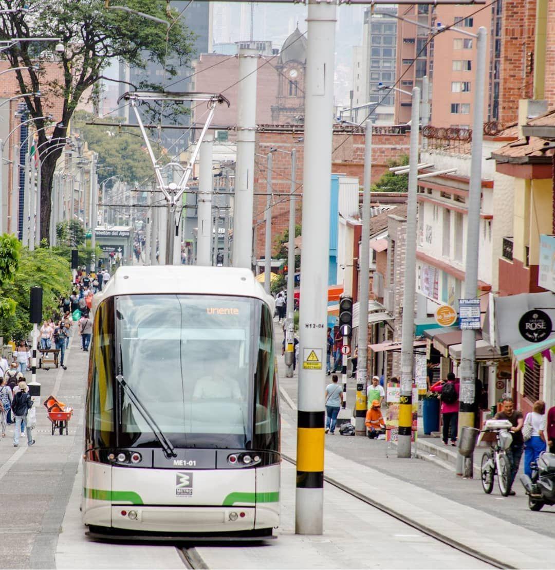 Metro De Medellin On Instagram Vieeerneees Y De Quincena Disfrutalo Te Saludamos Con Esta Imagen Del Tranviadeayac Medellin Transporte Urbano Instagram