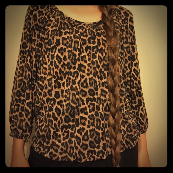 """BLACK FRI SALE Michael Kors Peasant Top LOVE this blouse! In great condition and skin soft! I am all about the """"feel"""" of my clothes and I don't like to feel stiff and starchy. Soft and flowy is all me! Michael Kors Tops"""