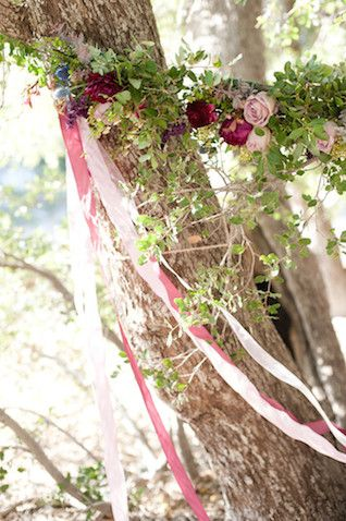 Game of thrones themed wedding game thrones backdrops and themed a game of thrones themed wedding inspiration shoot filled with ideas for a purple wedding and a westeros wedding cake junglespirit Gallery