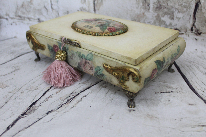 Vintage Musical Jewellery Box Decoupaged Box Wooden Treasure Box Vintage Cream Keepsake Box Vintage Style Jewellery Box Romantic Gift Shabby Chic Jewellery Box Musical Jewelry Box Shabby Chic Jewelry