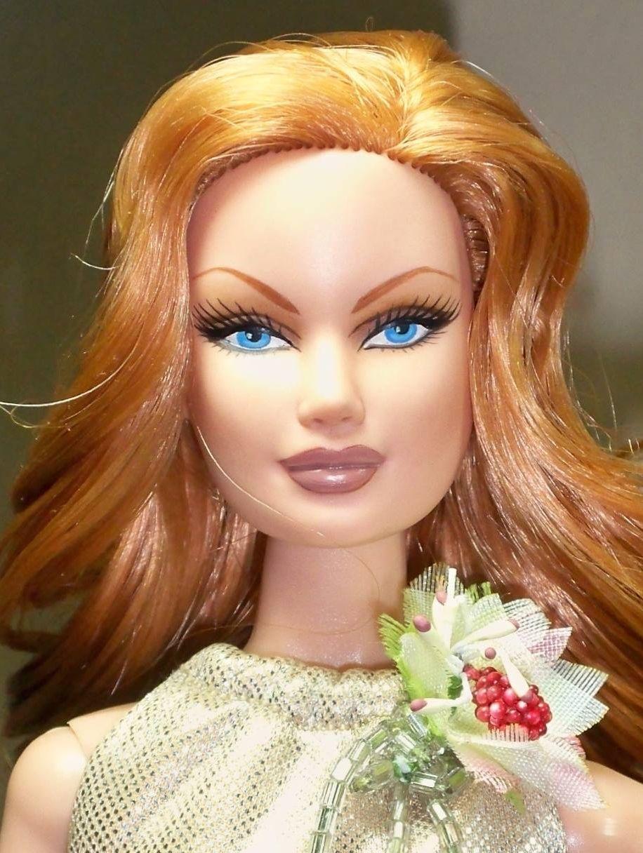 barbie dolls  9...5 qw