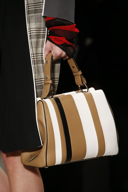 Spring To Fashion 2016 Wear Show En 2018Bolsos Prada Ready Nn08mwv