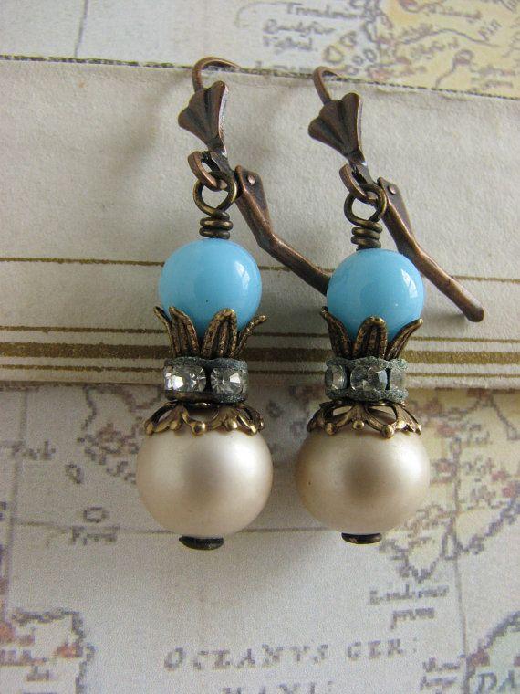 Shabby Chic hellblau und Vintage Pearl baumelt  von whybecause