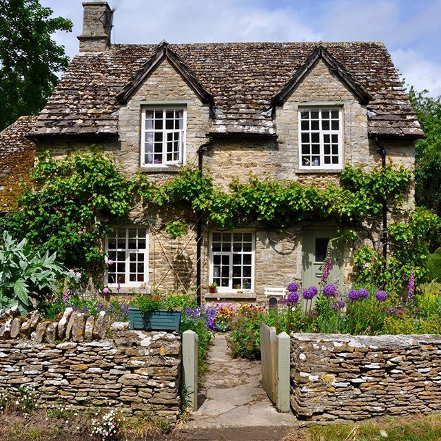 Cottage Exterior, Old Stone Houses