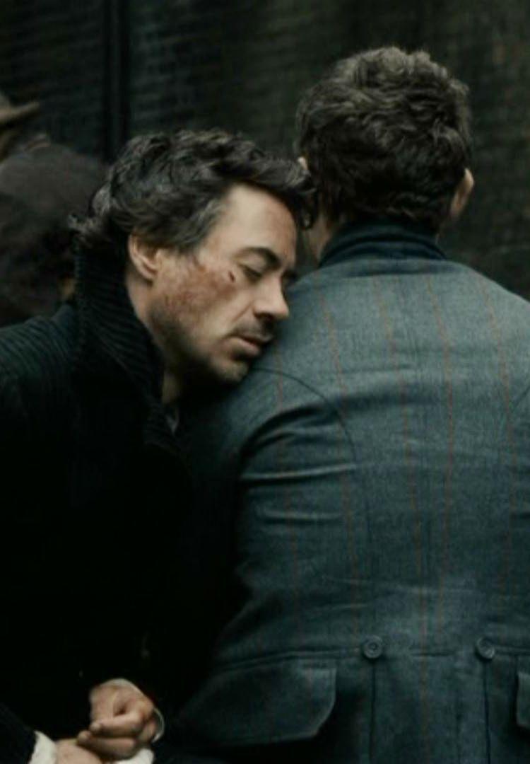 Sherlock Holmes & John Watson (Robert Downey Jr. & Jude Law) - Sherlock Holmes