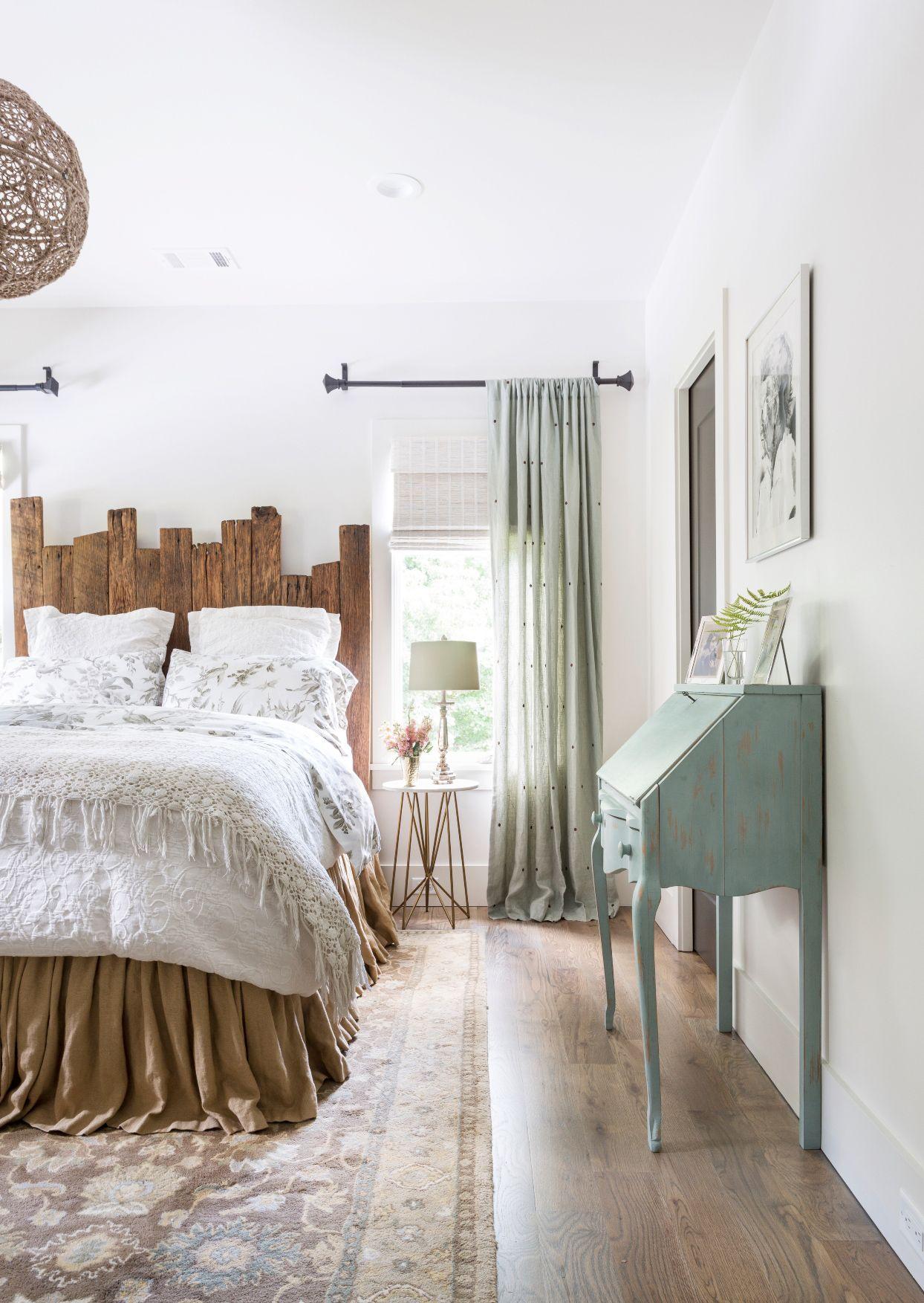 15 Cozy Bedrooms That Nail the Farmhouse Aesthetic White