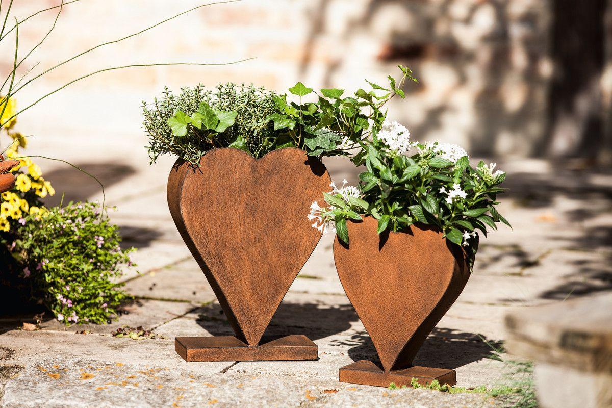 Liebevolle Gartendeko Aus Metall In Antiker Rostoptik Zum Bepflanzen Geeignet Blumentopf Pflanzenkubel Garten Deko