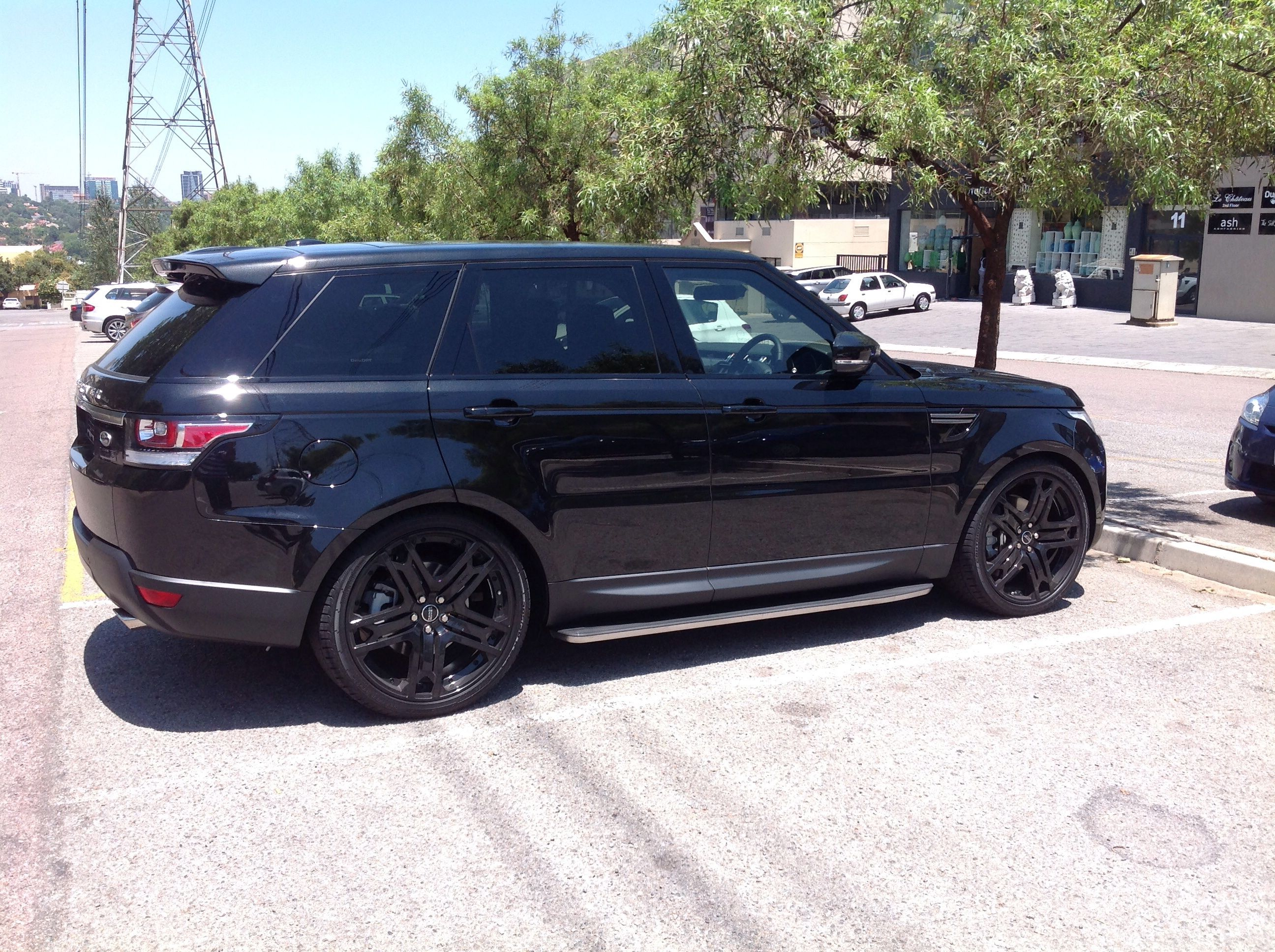 2014 Range Sport All Blacked Out And Kahn Design 23 Inch Rs600 S Range Rover Supercharged Range Rover Cool Logo