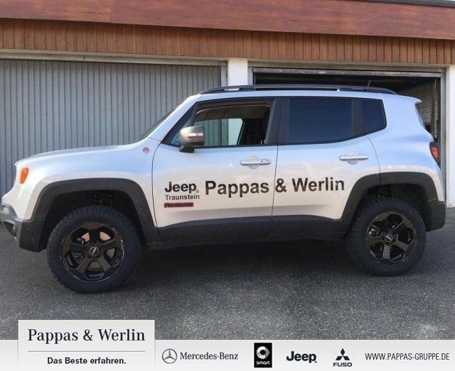 jeep renegade trailhawk 4wd 9at 39 offroad umbau 39 01 2016 gebrauchtwagen cars from jeep. Black Bedroom Furniture Sets. Home Design Ideas