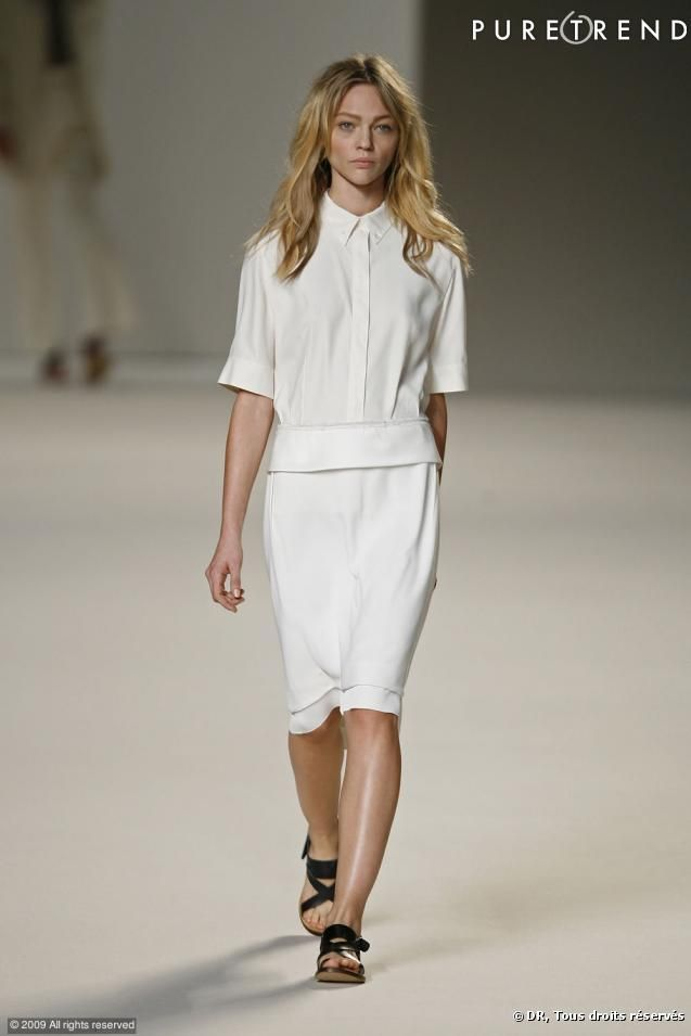 PHOTOS - Défilé Chloé Printemps-Eté 2010 La chemise blanche ... 74f9ae74333