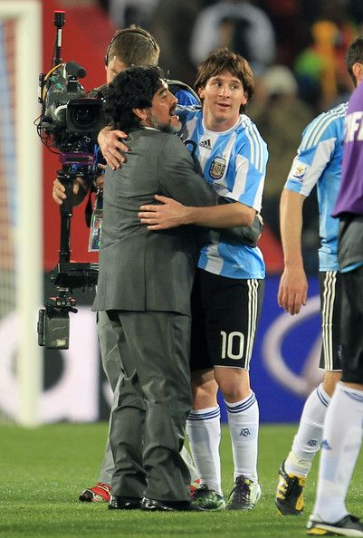 Diego Maradona And Lionel Messi Photos Photos Argentina V Nigeria Group B 2010 Fifa World Cup Lionel Messi Messi Argentina Diego Maradona