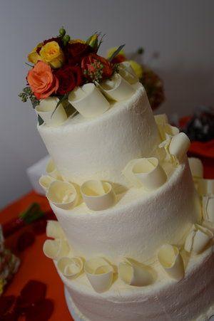 Rebecca James White Tier Wedding Cake Photo Credit Rick